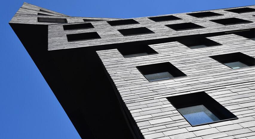 CUPACLAD RANDOM dynamisk naturskifer facade design.
